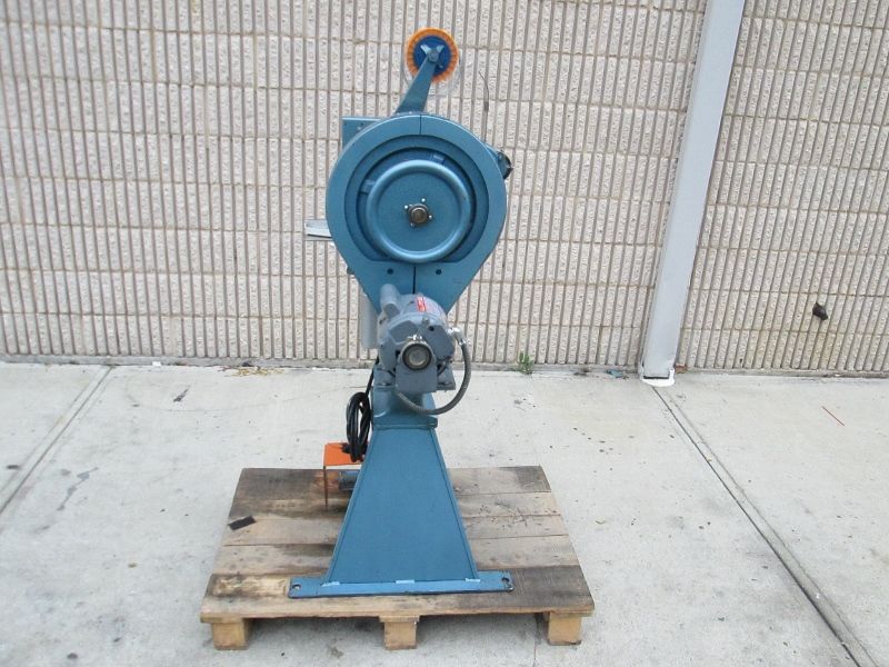 INTERLAKE ONE HEAD STITCHER, SN # 4942, MODEL NO. S3A 6