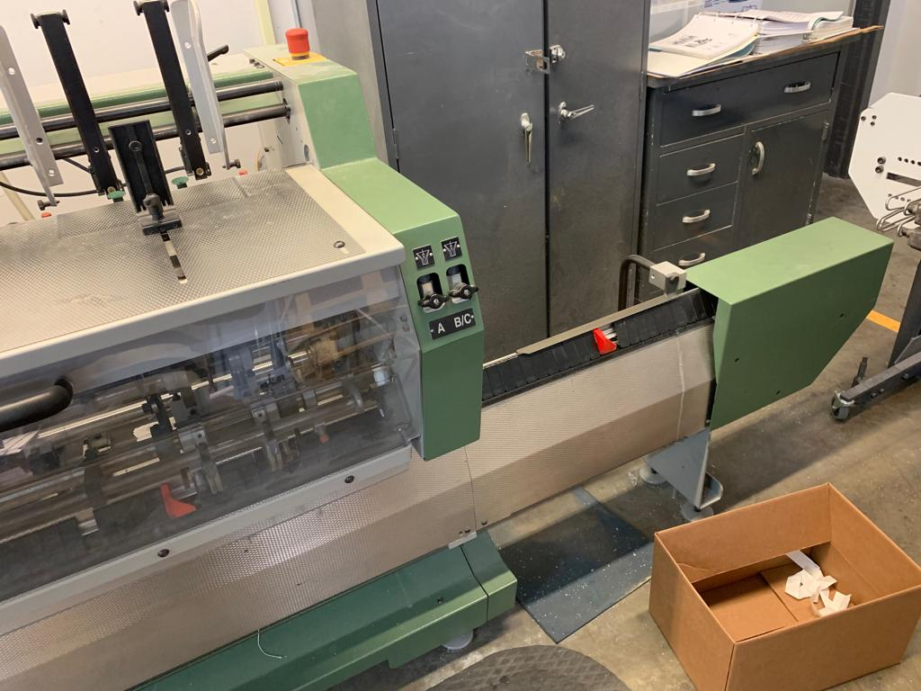 2005 MUELLER MARTINI VALORE SADDLE STITCHER 15