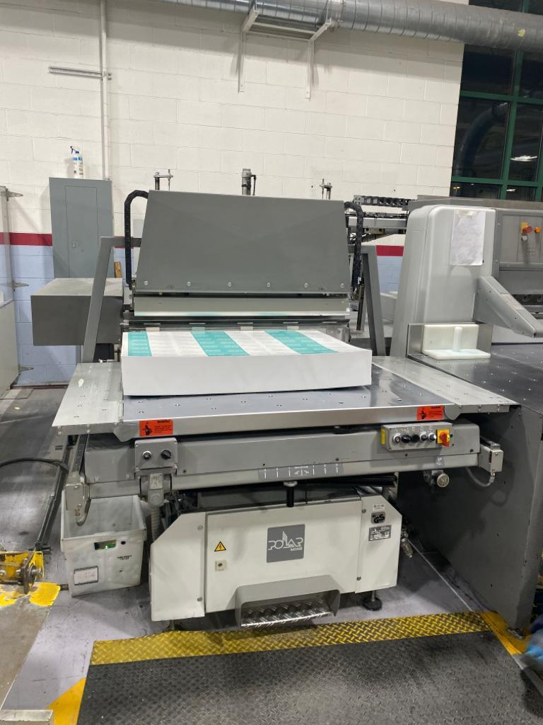 "POLAR 137EMC MON CUTTER, [54"" ] YEAR: 2000, AUTO TRIM, FACTORY PROGRAM, MONITOR 8"